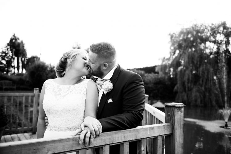 the_old_kent_barn_wedding_photographer_scott_kendall_photography_90