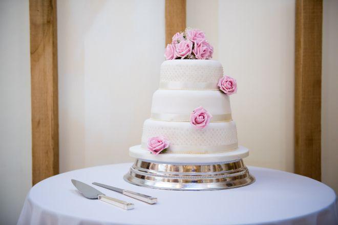 wedding cake kent