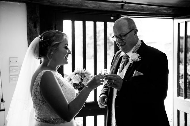 the_old_kent_barn_wedding_photographer_scott_kendall_photography_33