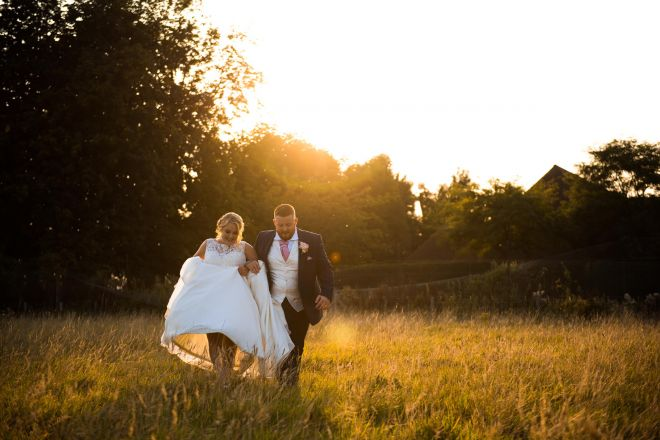 Old Kent Barn Wedding Photos - Scott Kendall Photography - Kent Wedding Photographer