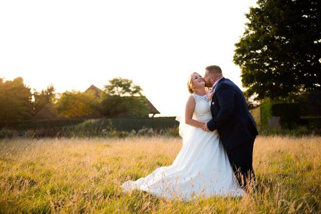 Old Kent Barn - Natural Wedding Photos - Scott Kendall Photography - Kent Wedding Photographer