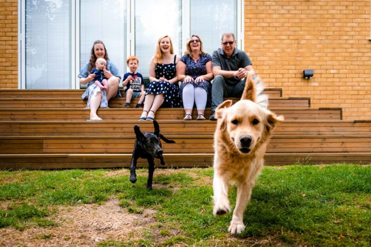 family_doorstep_photoshoot_with_dogs-008